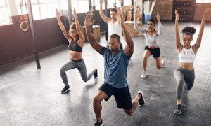 sesión de entrenamiento con pesas
